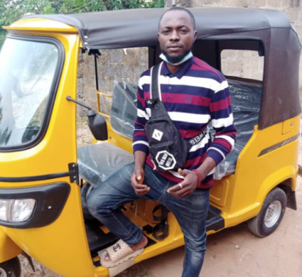 Man Gifts Keke To A Bike Rider Who Carried Him On Credit Sometimes As A Student (Photos)…