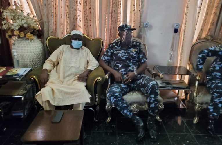EXTRA-JUDICIAL KILLING: LAGOS COMMISSIONER OF POLICE VISITS FAMILY OF MURDERED JELILI BAKARE…
